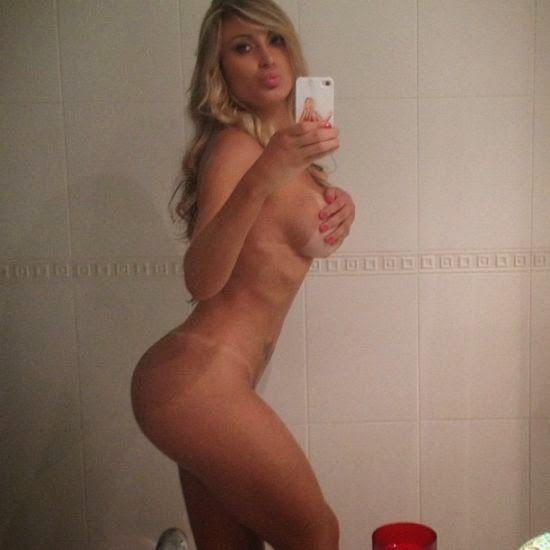 Andressa Urach em fotos super quentes e amadoras