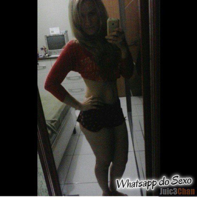 Loira muito puta caiu no whatsapp se mostrando pelada no espelhos e instagram (11)