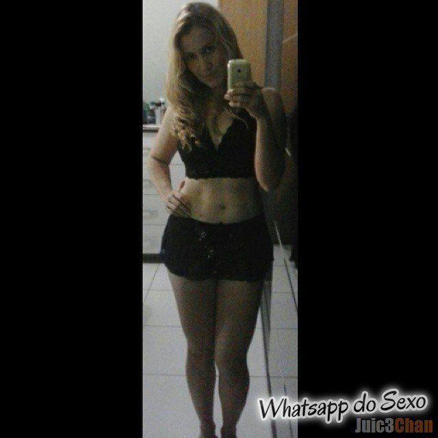 Loira muito puta caiu no whatsapp se mostrando pelada no espelhos e instagram (34)