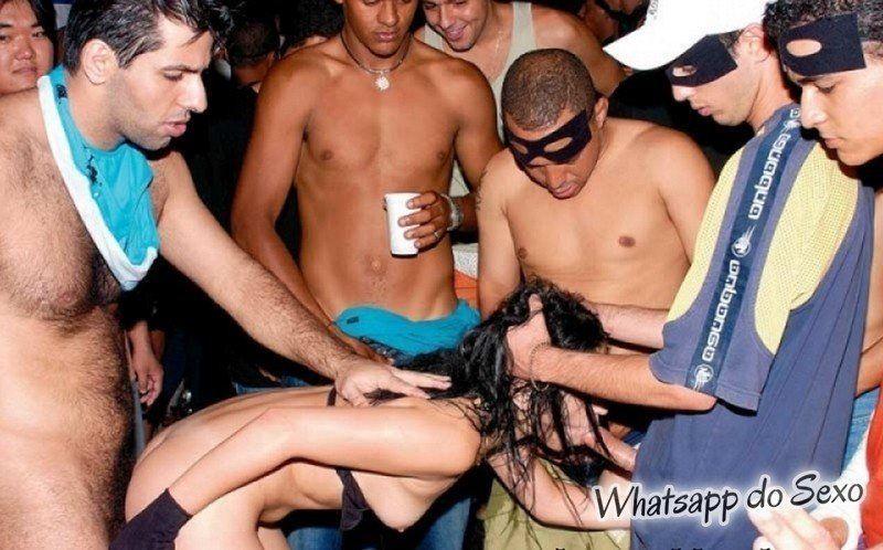 Flagras de sexo durante o carnaval caiu no whatsapp