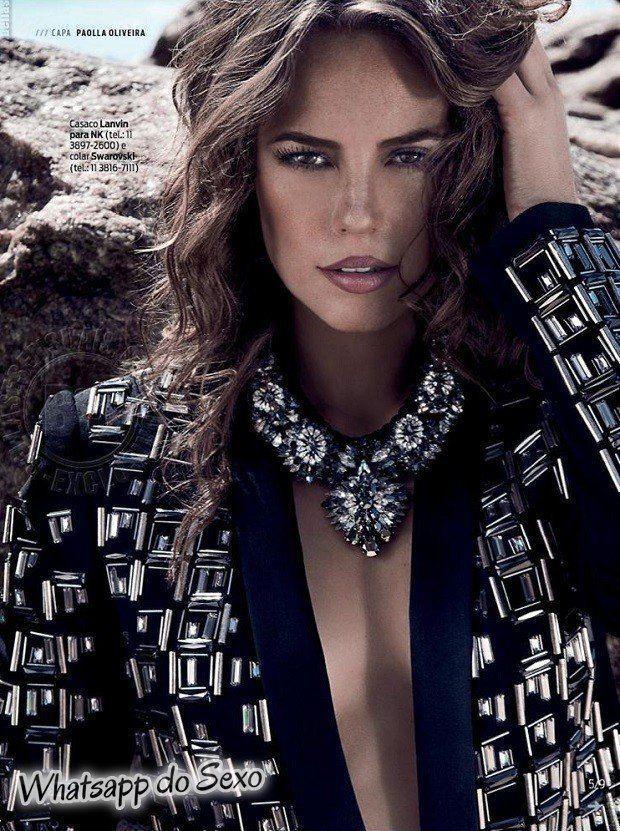 Gostosa Paolla Oliveira posando para a revista como a mulher mais sexy do mundo (48)