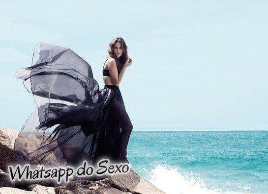 Gostosa Paolla Oliveira posando para a revista como a mulher mais sexy do mundo (50)