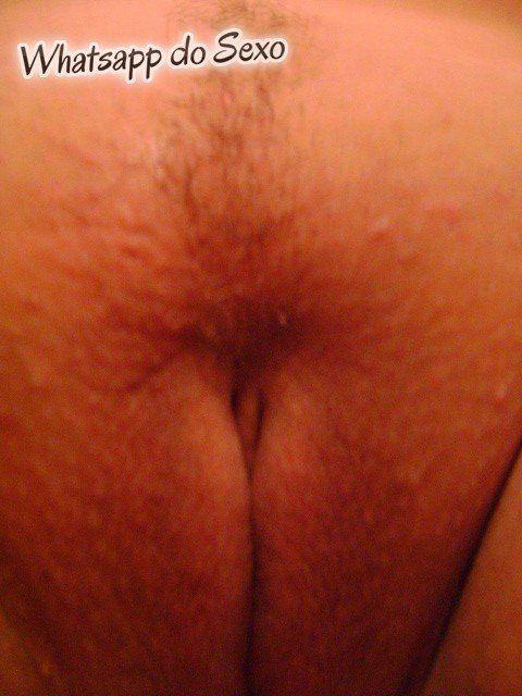 safada amadora e gorda tirando fotos peladas (14)