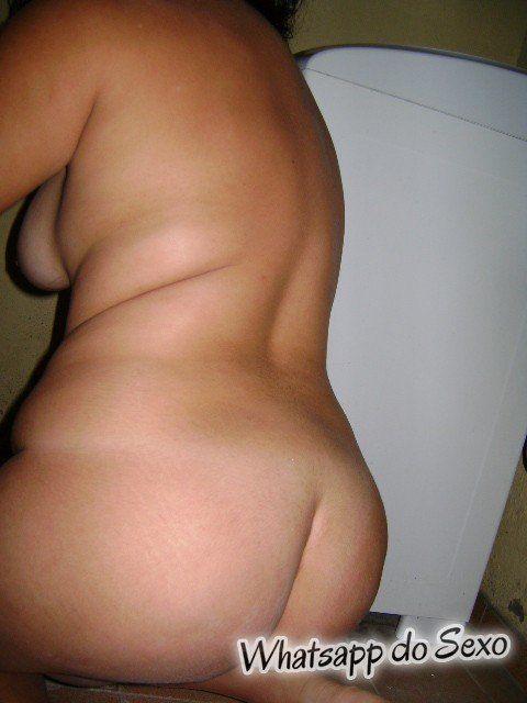 safada amadora e gorda tirando fotos peladas (9)