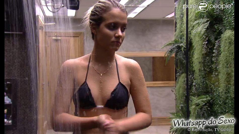 Andressa no banho na casa do BBB15 caiu no whatsapp das safadas (11)