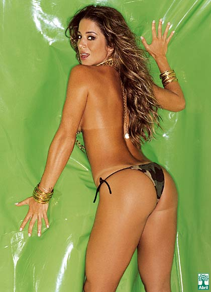 Danielle Winits peladinha em revista masculina playboy (17)