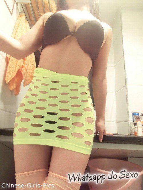 Morena gostosa do whatsapp mostrando os peitos