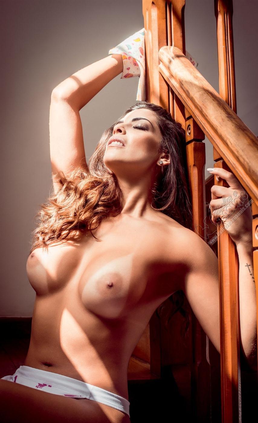Nuelle Alves peladinha na revista masculina playboy (25)