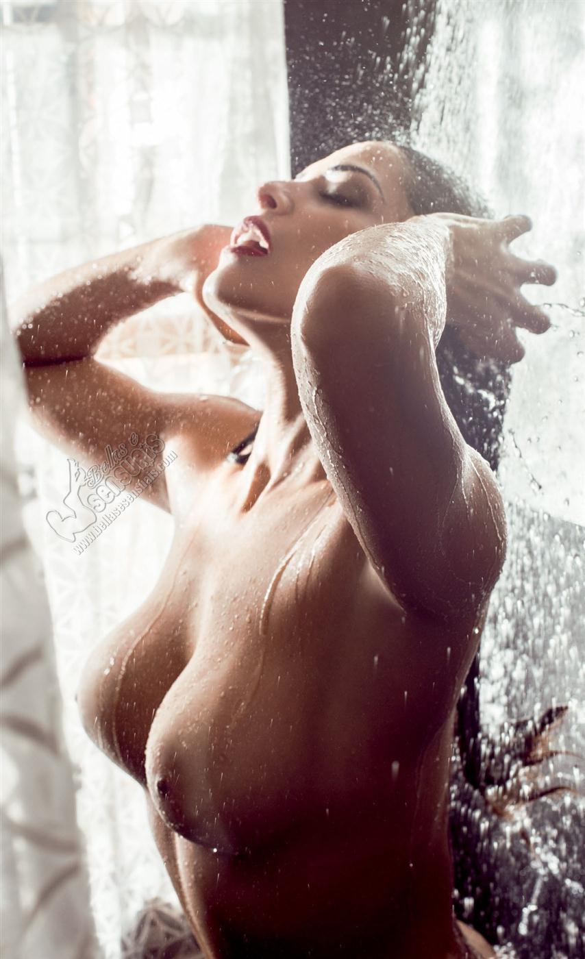Nuelle Alves peladinha na revista masculina playboy (30)