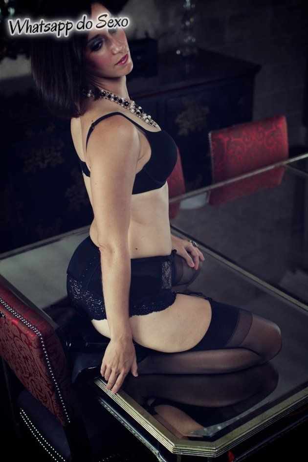 Morena maravilhosa sensualizando gostoso