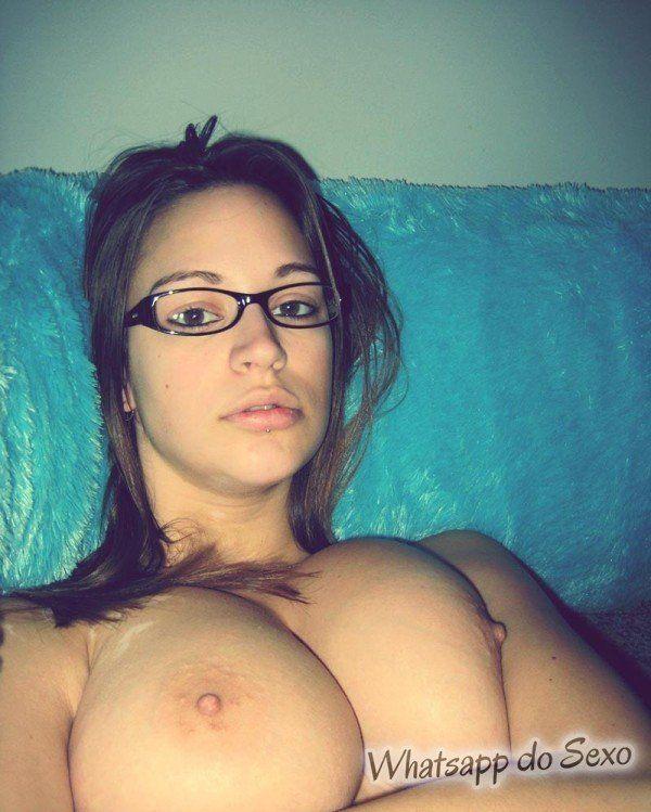 gostosa tetuda com putaria no quarto e com o seu lindo corpo de safada (6)
