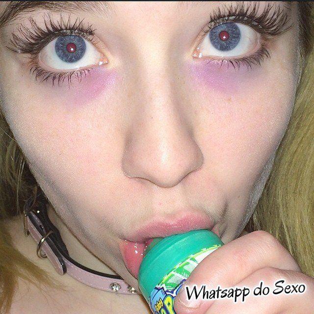 gordinha muito putinha tirando selfies nua (20)