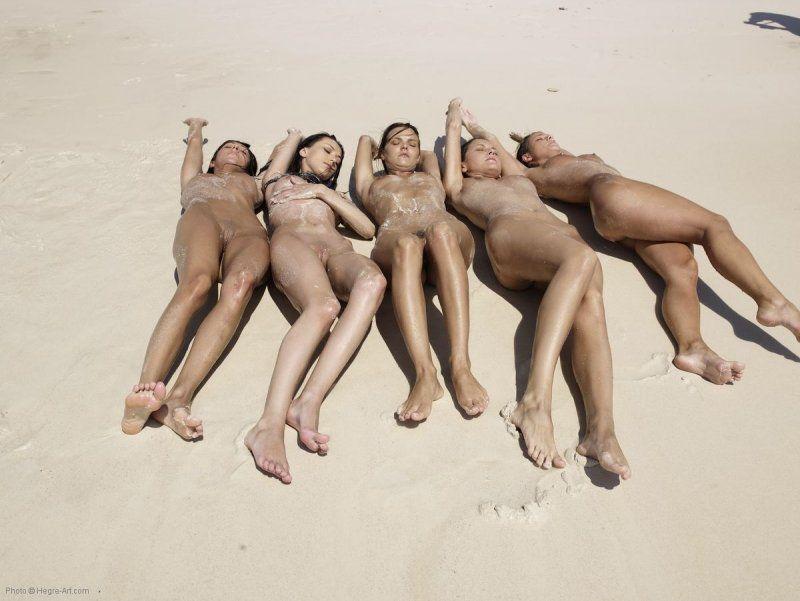Fotos de gostosas se exibindo pelada na praia (6)