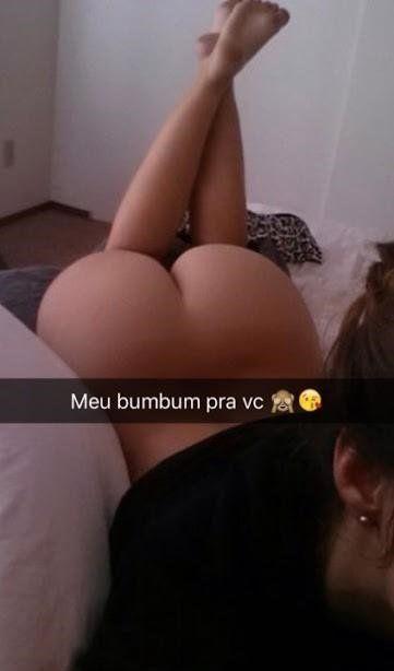 Novinha mandando foto do seu bumbum empinado