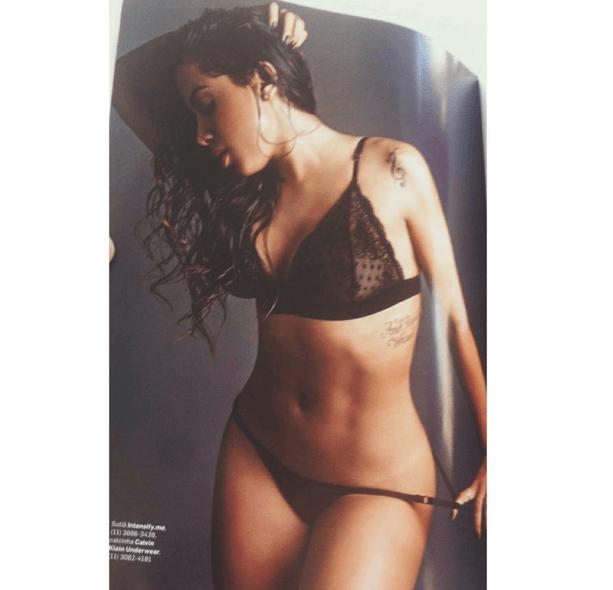Anitta pelada na revista vip (1)
