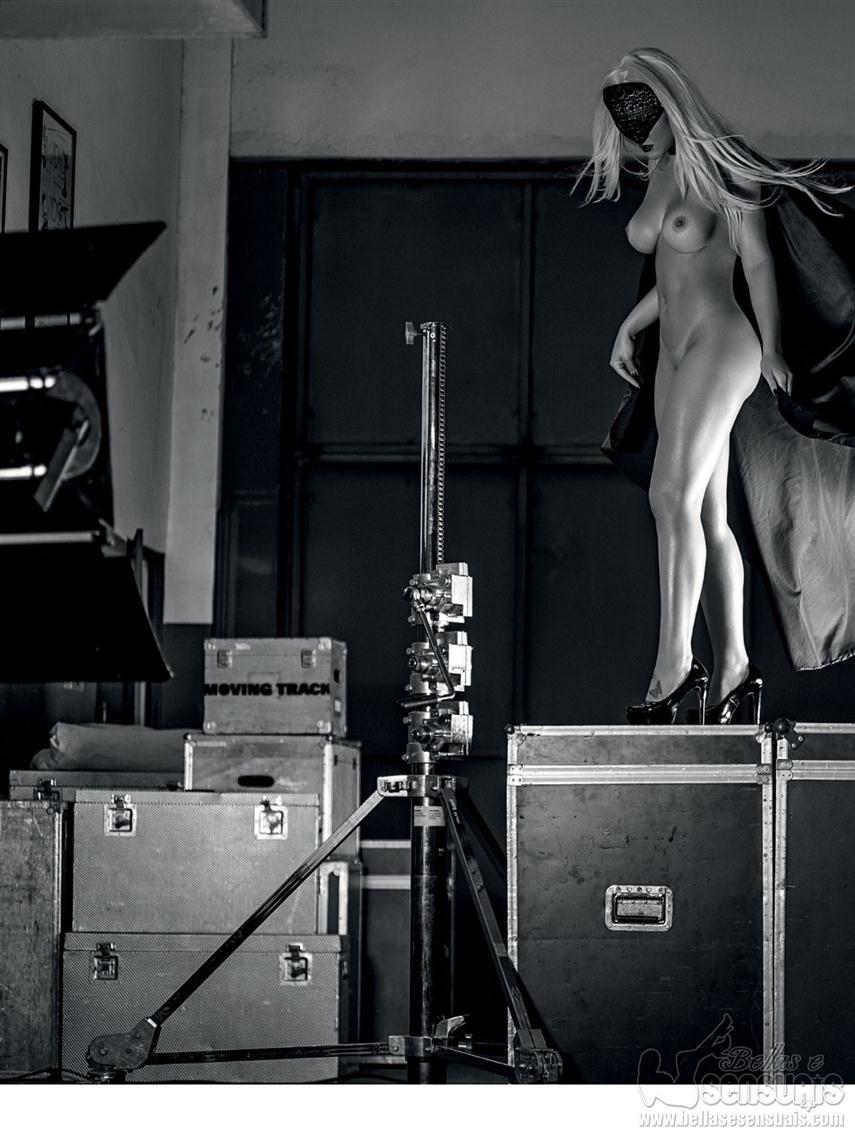 Fotos da paparazzo misteriosa nua na playboy (11)