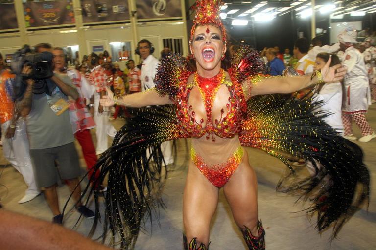 Fotos da Viviane Araújo nua pelada no carnaval (10)