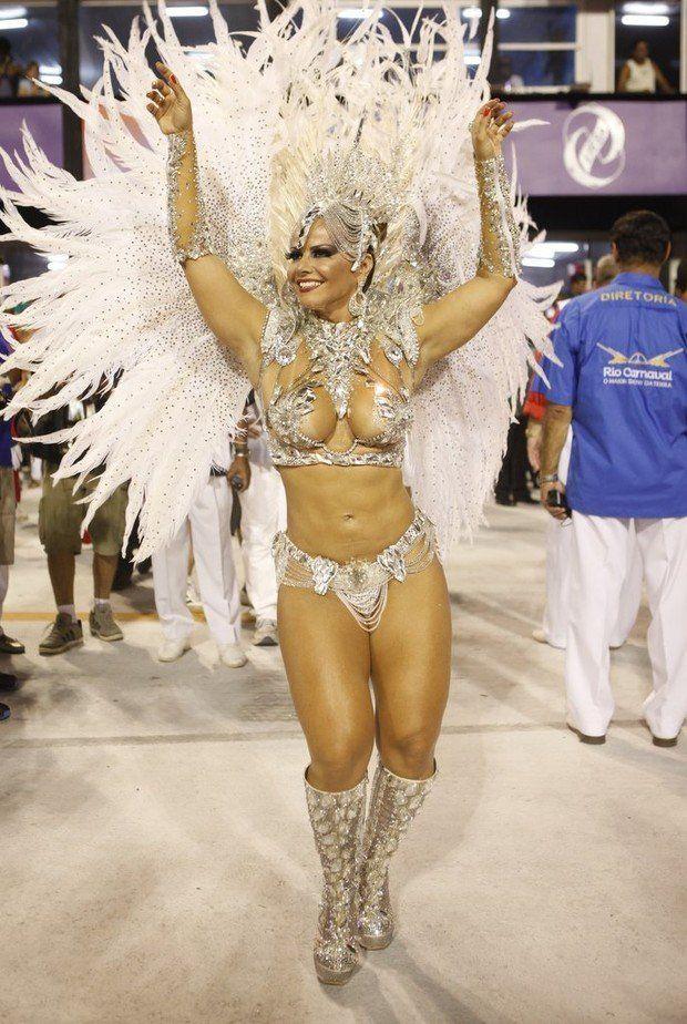 Fotos da Viviane Araújo nua pelada no carnaval (11)