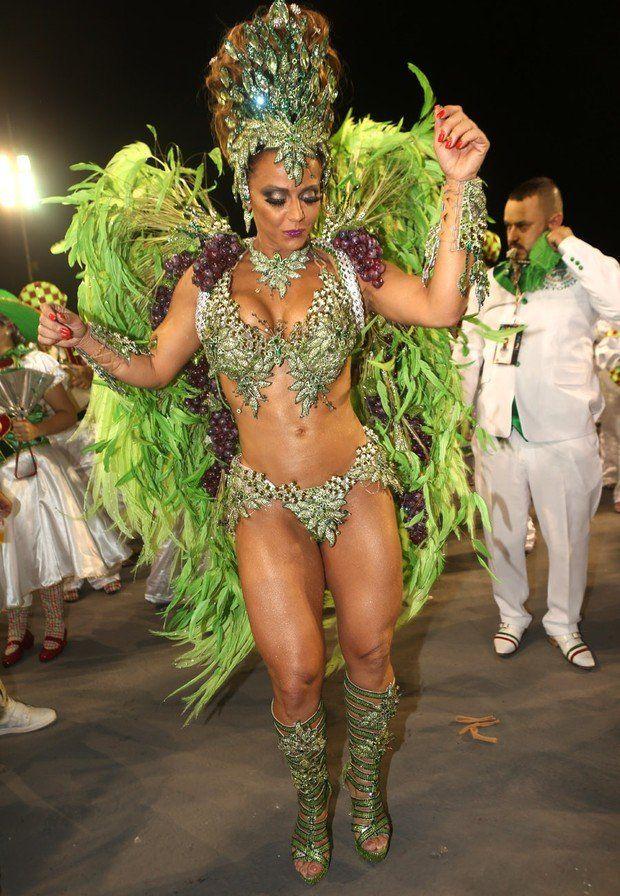 Fotos da Viviane Araújo nua pelada no carnaval (12)