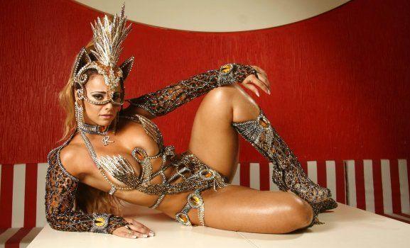 Fotos da Viviane Araújo nua pelada no carnaval (5)