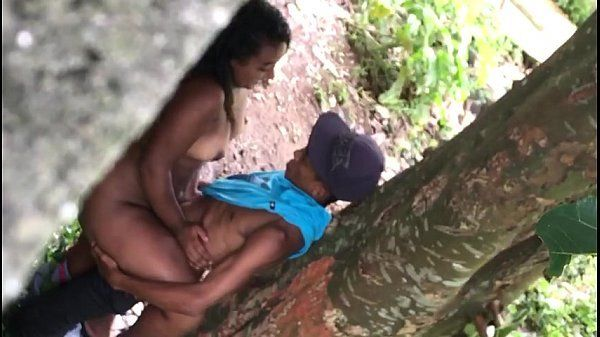 Baiana flagrada fazendo sexo com namorado