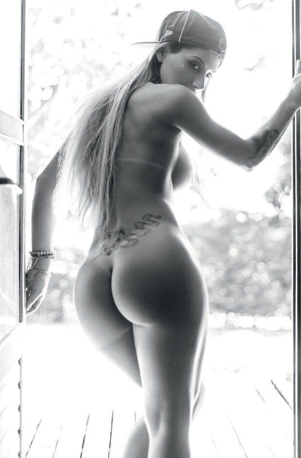 Ex BBB Vanessa Mesquita Nua na Revista Playboy