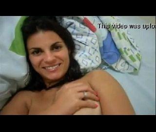 Marido filmando esposa gostosa peladinha