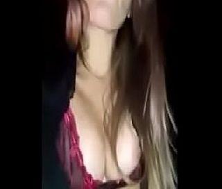 Loira bem gostosa neste vídeos porno fodendo demais