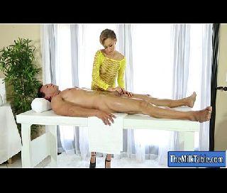 Massagista da so bucetas peluda em sexo com o cara