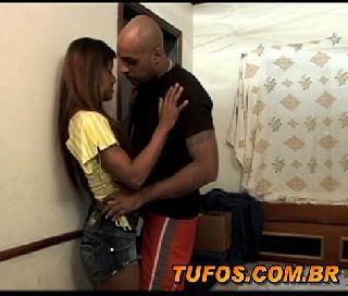 Morena da favela em  brasil porno