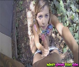 Novinha dando por dinheiro