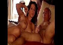 Casada madura traindo marido com o chefe dele