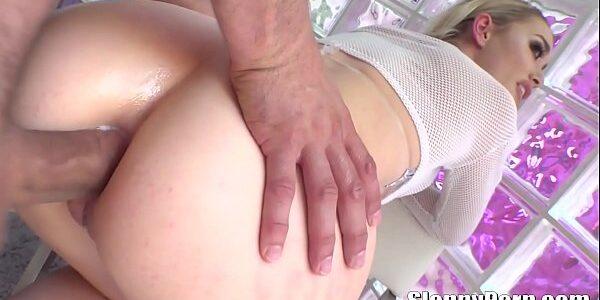 Melhor video porno com loirinha sendo arrombada