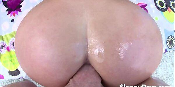 Vídeo de mulher pelada rabuda sendo fodida